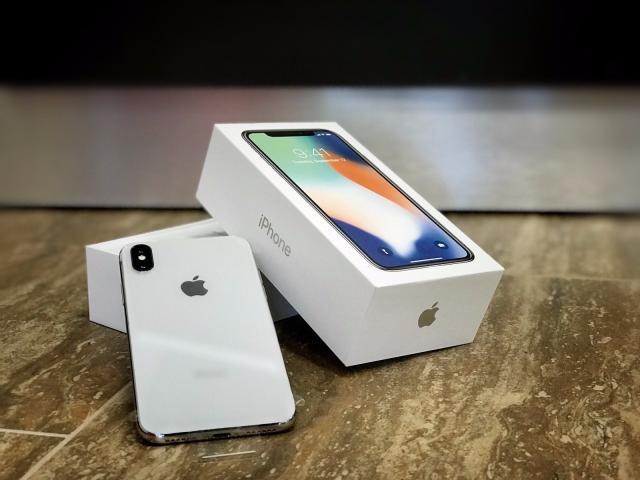 Apple iphone x Silver 64gb/256gb, Iphone 8/8plus gold 64gb/256gb