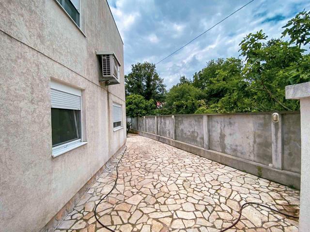 NA PRODAJU dvije prelepe kuce u Vranicima, Podgorica 118 m2, 310.000 €