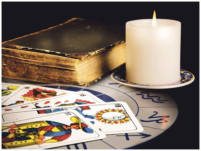 Tarot i astrologija